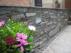 Natural Slate Dry Stone Walling http://www.bartonfields.co.uk/dry-stone-natural-walling-46-c.asp