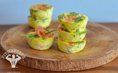 Wake up and whip up this delicious protein & fatty acid bites! You can substitute salmon frittatas with portabella mushrooms but what we like. Smoked Salmon Frittata, Mini Frittata, Potato And Egg Breakfast, Breakfast Recipes, Low Calorie Recipes, Healthy Recipes, Savoury Recipes, Spicy Recipes, Healthy Meals