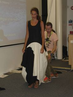 This post is a bit late, however picture heavy so do enjoy! Julian Roberts held a subtraction pattern cutting class at Winchester School o. Julian Roberts, Sewing Paterns, Do It Yourself Fashion, Pattern Cutting, Pattern Making, Couture Sewing, Textiles, Dress Silhouette, Fabric Manipulation