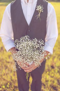 A Sweet Sunlit Field Anniversary Shoot + One Awesome Blue Couch! - Fab You Bliss Our Wedding Day, Wedding Shoot, Wedding Events, Dream Wedding, Babys Breath Boutonniere, Boutonnieres, Wedding Bouquets, Wedding Flowers, From Miss To Mrs
