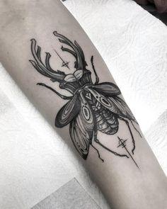 ElectricTattoos Ant Tattoo, Scar Tattoo, Fire Tattoo, Body Tattoos, Tatoos, Beetle Tattoo, Blackwork, Egyptian Tattoo, Cool Small Tattoos