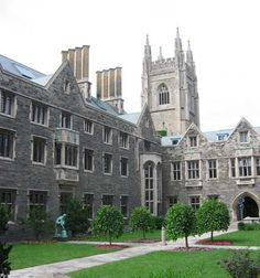 Recommendations for what a couple on a romantic getaway or honeymoon in Toronto should see and do on their visit. Toronto Pictures, Hart House, Toronto Ontario Canada, Modern Gothic, Toronto Travel, University Of Toronto, Gothic Architecture, Romantic Getaway, Canada Travel