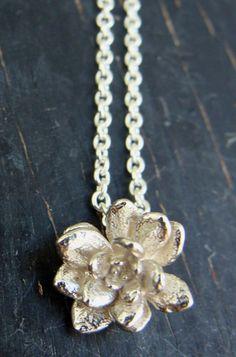 Rosette Silver Necklace