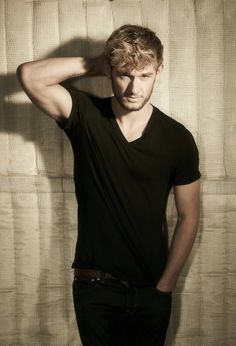 Alex Pettyfer is my love<3, Alot younger then me but super cute