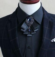 This beautiful smart pre tied bow tie is a perfect compliment for groom or father of bride and groom at wedding party or any special occasion. Properties: polyester and rhinestone brooch. Extra price is needed. Bow Tie Suit, Bow Tie Collar, Collar Tips, Bow Ties, Father Of The Bride Outfit, Diamond Bows, Wedding Ties, Wedding Groom, Tie Styles