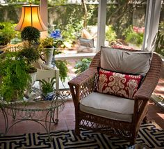 Screened porch makeover sources porch, screened porches and screens Outdoor Rooms, Outdoor Living, Outdoor Furniture Sets, Outdoor Decor, Porch Furniture, Decks And Porches, Cabin Porches, Country Porches, Front Porches