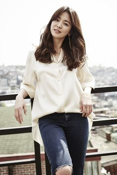 Song Hye Kyo endows memorial in China | Koogle TV