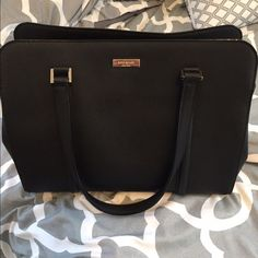 Kate Spade Handbag Like new. Lightly used. Nothing is wrong with the bag at all! kate spade Bags Totes