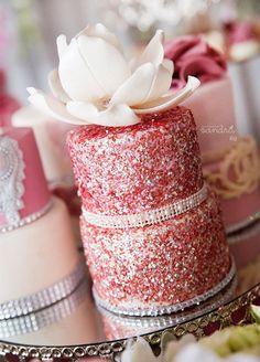Miniature cakes get even cuter when sprinkled with some sparkle. 10 Sensational Sparkling Wedding Dessert Ideas