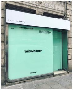 men's and pre-fall Off-White™ paris showroom Retail Store Design, Retail Shop, Signage Design, Branding Design, Off White Store, Café Bistro, Vitrine Design, Shop Facade, Retail Signage