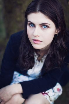 Sawyer Handleton, played by Alexandra Daddario Most Beautiful Hollywood Actress, Hollywood Actor, Hollywood Actresses, Hollywood Celebrities, Alexandra Anna Daddario, Beautiful Eyes, Beautiful Women, Simply Beautiful, Pretty Blue Eyes