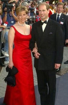 5/23/2002: Sophie, Countess of Wessex & Prince Edward arrive for a gala variety show (Trondheim, Norway)