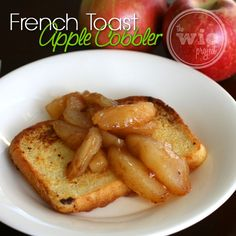 French Toast Apple Cobbler - Is it breakfast? Is it dessert? Who cares - it's delicious! Check out this tasty Breakfast Dishes, Breakfast Time, Best Breakfast, Breakfast Dessert, Breakfast Ideas, Delicious Breakfast Recipes, Yummy Food, Great Recipes, Favorite Recipes