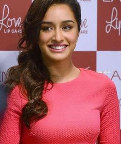 """Shraddha Kapoor smile is the sweetest @Bollywood ❤❤❤"""""""