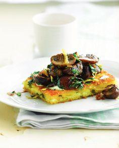 """Het lekkerste recept voor """"Polentatoast met champignons"""" vind je bij njam! Ontdek nu meer dan duizenden smakelijke njam!-recepten voor alledaags kookplezier!"""