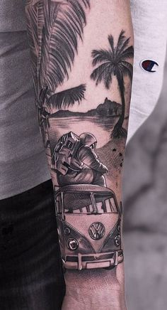 80 Realistic Tattoos to Inspire You Palm Tattoos, Top Tattoos, Body Art Tattoos, Tattoos For Guys, Tatoos, Cool Forearm Tattoos, Forearm Tattoo Design, Forearm Tattoo Men, Tattoo Arm