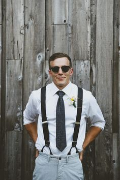 Groom + Ray Bans // Jane in the Woods Photographie Wedding Groom, Wedding Men, Boho Wedding, Wedding Styles, Dream Wedding, Groom And Groomsmen Attire, Groom Outfit, Casual Grooms, Modern Groom