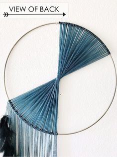 dream pop Designed to evoke the drama and beauty of waterfalls, this large dream catcher wall hanging is an avant-garde work of art! With a gorgeous and contemporary color palette, a careful Macrame Wall Hanging Diy, Macrame Art, Macrame Projects, Hanging Wall Art, Large Dream Catcher, Dream Catcher Boho, Minimalist Decor, Modern Minimalist, Yarn Wall Art