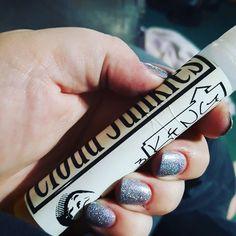 Currently vaping. #thecloudjunkies #king #vape #vapestagram #vaping #cloudingaround #vapecommunity #vapelife #vapingisthefuture #handcheck by makeup_n_vapeup