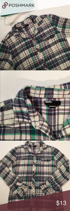 Urban Outfitters BDG Flannel Button Down ✔️Boyfriend Fit ✔️100% Cotton ✔️Front Pocket ✔️No Holes, Stains or Damages-Slightest Pilling Urban Outfitters Tops Button Down Shirts