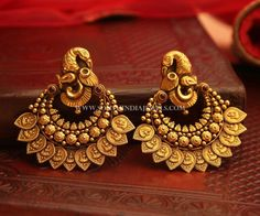 Bold Antique Earrings From Manubhai Jewellers ~ South India Jewels Gold Jhumka Earrings, Gold Earrings Designs, Indian Earrings, Gold Jewellery Design, Antique Earrings, Antique Jewelry, Gold Jewelry, Vintage Jewelry, Earings Gold