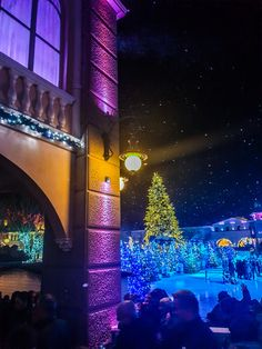 Weihnachtsfeier 2019 Firma F&W bei Phantasialand.  Phantasialand ist ein Freizeitpark in Brühl bei Köln Wolf, Videos, Photo And Video, Lifestyle, Instagram, Pictures, Amusement Parks, Celebration, Wolves