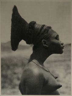 The Mangbetu had a distinctive look and this was partly due to their elongated heads. At birth the heads of  babies'  were tightly wrapped with cloth in order to give their heads the streamlined look. The practice began dying out in the 1950s with the arrival of more Europeans and westernization. Because of this distinctive look, it is easy to recognize Mangbetu figures in African art. http://afritorial.com/tribe-the-mangbetu/