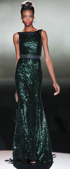 Day 7 was all about the gowns for me. Badgley Mischka, Tory Burch and Jenny Packham all had gowns that were absolutely amazing. We will start with a look from Badgley Mischka. Look Fashion, Runway Fashion, Fashion Show, Unique Fashion, Fashion Models, Luxury Fashion, Beautiful Gowns, Beautiful Outfits, Elegante Jumpsuits