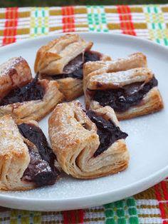 Ízőrző: Hájas sütemény Diy Food, French Toast, Keto, Chicken, Breakfast, Hungarian Food, Nova, Hungary, Morning Coffee