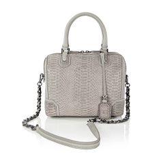Bolsa Olivia Bag: estilo e elegância combinados com um toque de sofisticação. Um luxo!