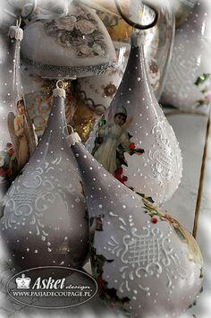 Bobmbki w stylu retro w kształcie kropli