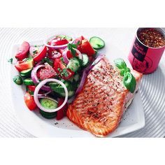 Mediterranean Salmon! #itsgoodtobehome  I'm in love with the italian allrounder by @justspices  You can use it for salad , fish and meat ... It gives your dish a typical Mediterranean note of tomatoes and holidays
