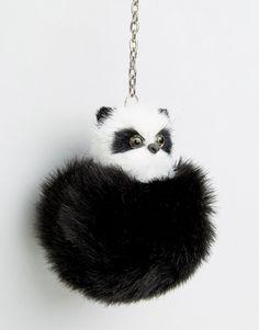 Imagen 3 de Llavero de pompón con forma de oso panda de ASOS