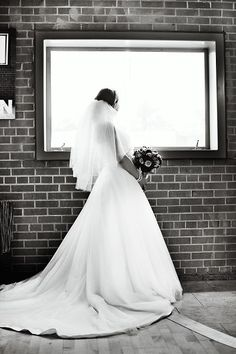 Downtown Mesa Wedding. Our guest blogger, Amanda was such a stunning bride! #classic #timeless