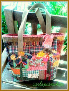 Bolsa em lona com patchwork... flores