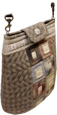 Quilt Gallery ZUI Shop: The shoulder bag that patchwork kit 440 is big Japanese Patchwork, Japanese Bag, Japanese Quilts, Patchwork Bags, Quilted Bag, Jean Purses, Purses And Bags, Fabric Bags, Cloth Bags