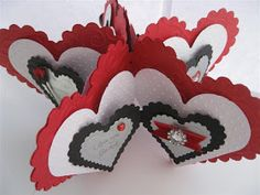 Incredibly adorable Valentine Star Mini Album from Sue's Stamping Stuff. And its a tutorial!