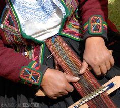 Traditional Incan Weaving- Andean Weaving Demonstration by Wanderlust Designer
