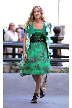Carrie Bradshaw's 50 Best Looks of All Time  - HarpersBAZAAR.com