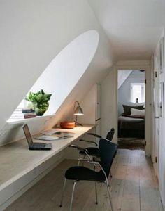 Top Loft Conversion Ideas That Will Transform Your Attic – Office Design 2020 Loft Office, Office Workspace, Office Nook, Workspace Design, Hallway Office, Attic Office Space, Tiny Office, Attic Library, Home Office Design