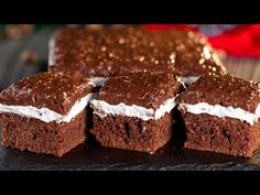 Brownie with chocolate - egy csodás desszert amely elnyeri szíved! Romanian Desserts, Romanian Food, No Cook Desserts, Biscuits, Food And Drink, Sweets, Make It Yourself, Cookies, Cake