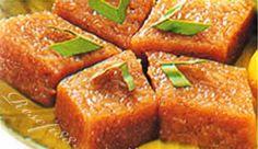 Wajik Ketan Traditional Cakes, Malaysian Food, Indonesian Food, I Love Food, Meatloaf, Asian Recipes, Banana Bread, Deserts, Sweets