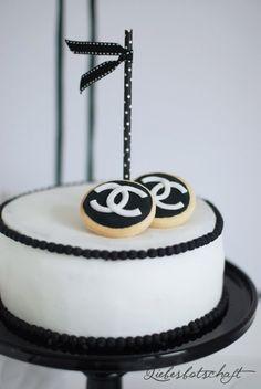Noelles Geburtstag feierten wir bereits im September mit einer Kerze in einem Brownie – an diesem Tag waren wir in London! Einige Zeit später war ich mit Noelle und ihrer Freundin auf de…