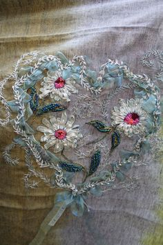 Wonderful Ribbon Embroidery Flowers by Hand Ideas. Enchanting Ribbon Embroidery Flowers by Hand Ideas. Embroidery Hearts, Silk Ribbon Embroidery, Beaded Embroidery, Cross Stitch Embroidery, Embroidery Patterns, Hand Embroidery, L'art Du Ruban, Diy Broderie, Creative Embroidery
