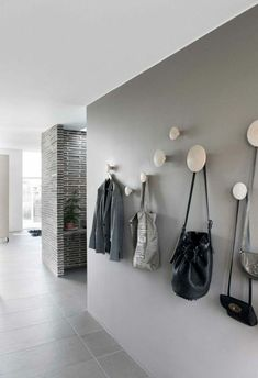 Set Up Corridor – Ideas and Suggestions – # Furnish Apartment in …… - Home Decoration Design Hall, Flur Design, Interior Design Examples, Grey Interior Design, Tiled Hallway, Hallway Walls, Hallway Colours, Gray Painted Walls, Hallway Designs