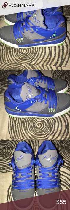 Jordan flights Jordan Flight size 6.5 big boys . I'm a 7.5-8 and they fit me perfectly. Hardly worn as you can tell from the bottom. They are a royal blue color and lime green. Price is Firm! Jordan Shoes Sneakers