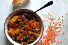 Červená čočka na 100 způsobů | SvačinkyProAnču.cz Chana Masala, Healthy Life, Vegan Recipes, Curry, Food And Drink, Gluten, Cooking, Ethnic Recipes, Fitness