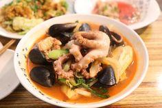 #흥(Hng) ㅣ 식신 에디터가 직접 가고 먹고 쓰는, 봄바람 살랑 여의도 맛집: ASSORTED SEAFOODS WITH SPICY BROTH & NOODLE