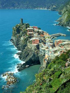 Cinque Terre: Vernazza  Italy