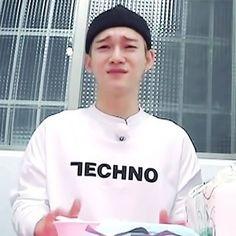 첸 | Chen | EXO | 엑소 | Kim Jongdae | EXO의 사다리 타고 세계여행 2 | Travel The World on EXO's Ladder S2 | 'ㅅ' #exo #chen Exo Chen, Chanyeol, Meme Faces, Funny Faces, Shinee, Exo Band, 5 Years With Exo, Tadashi Hamada, Cute Bunny Pictures